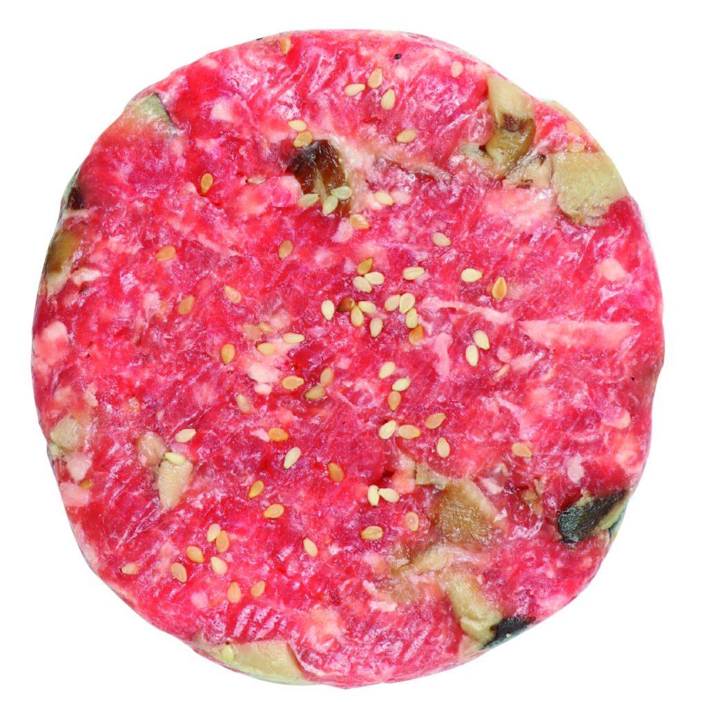 Ternera, setas shiitake. salsa de sajo y semillas de sésamo